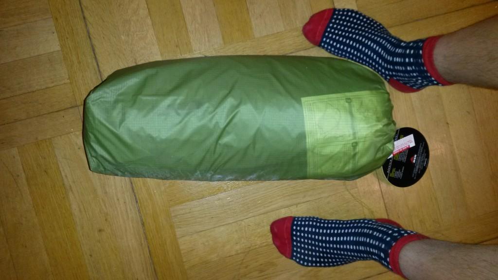Zelt in seiner Verpackung