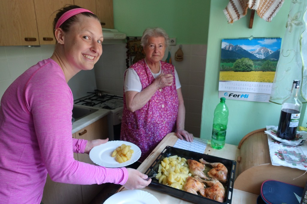 Köstliches Mahl bei unserer netten Gastgeberin in Nové Zámky