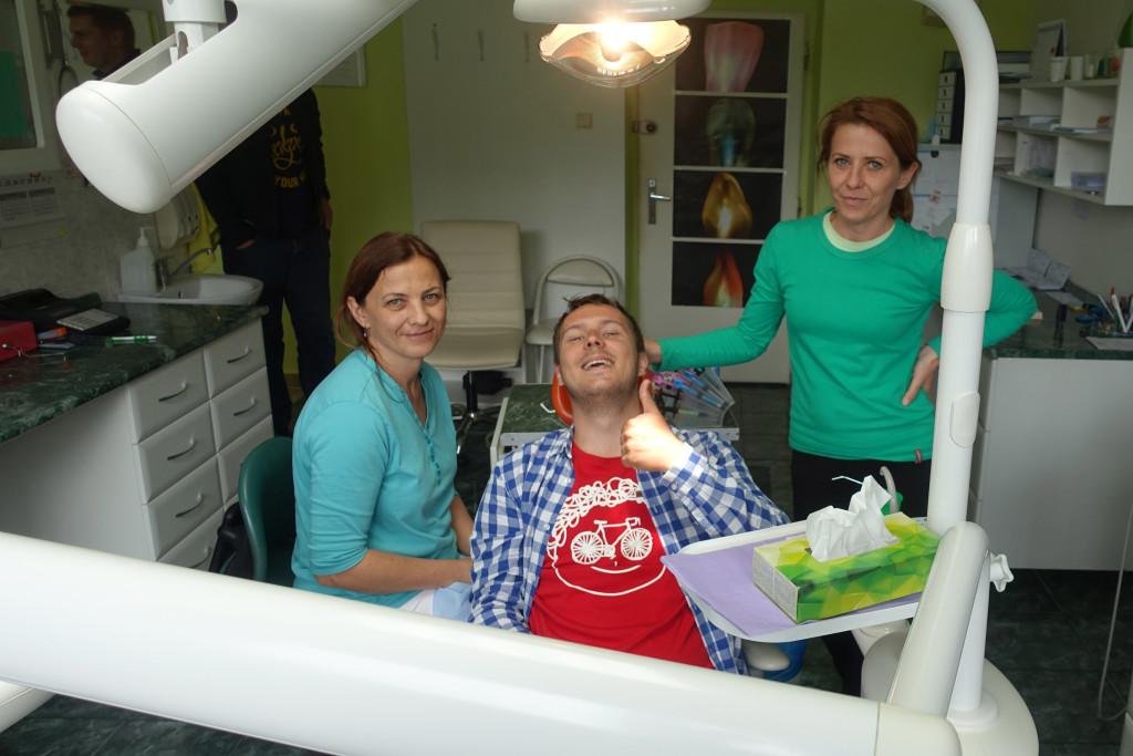 die Zahnärztin sagt: alles dobre!