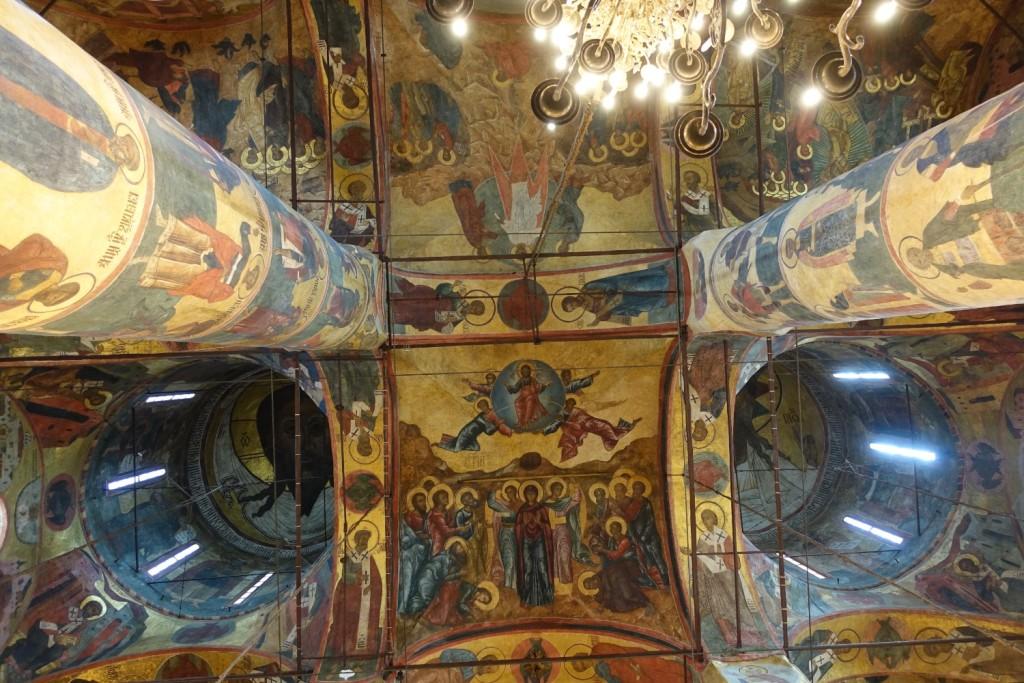 ...und Fresken...