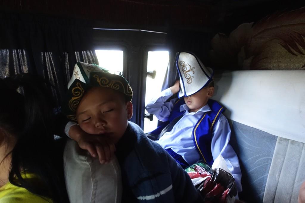 ein paar schlafende Kirgisen ;-)
