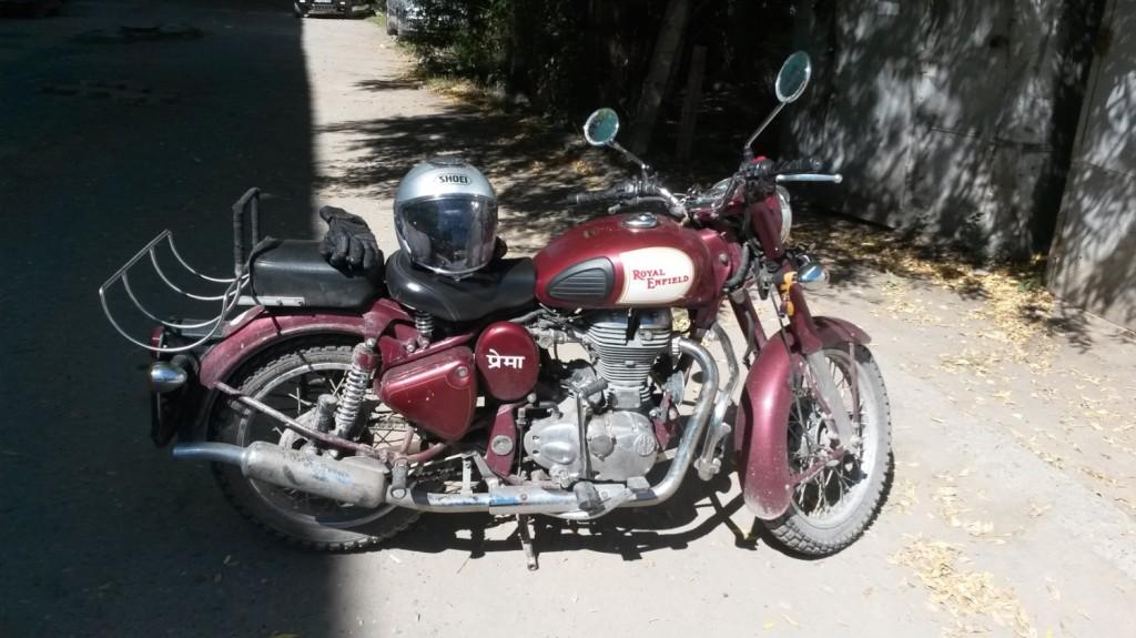 und das geliebte Motorrad aus Indien