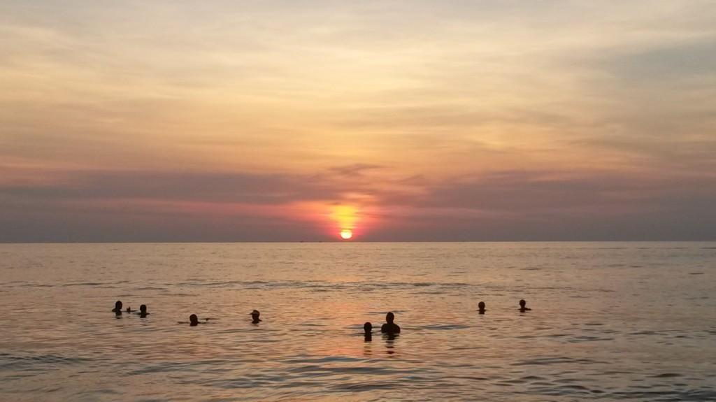 Sonnenuntergang am Karon Beach