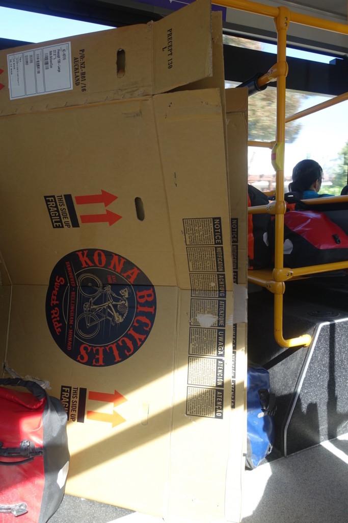 Boxen im Bus