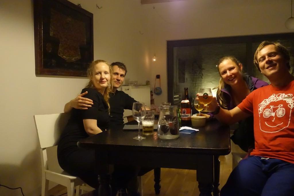 mit Inge, Tim und belgischem Bier ;-)